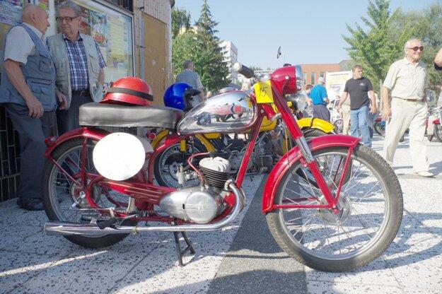 Raritný motocykel.