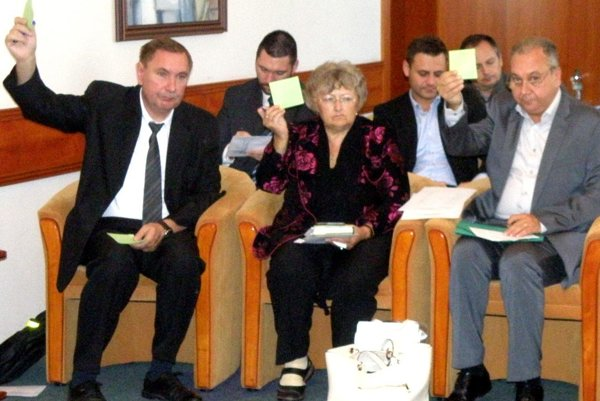 Poslanci schválili kúpnu zmluvu medzi Prievidzou a firmou Brose.