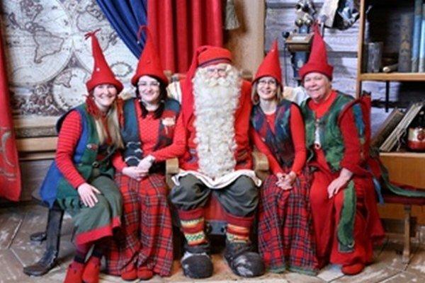Fínsky Santa Claus sídli v dedinke Joulupukin Pajakyla