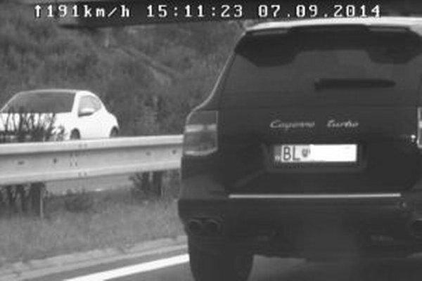 Vodič prekročil povolenú rýchlosť o 61 kilometrov za hodinu.