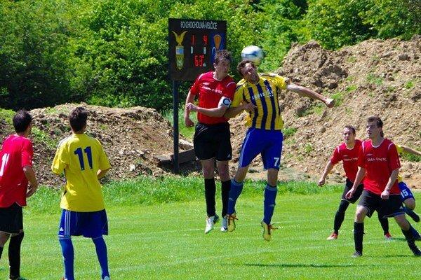 Trenčianska Turná zaskočila lídra piatimi gólmi.