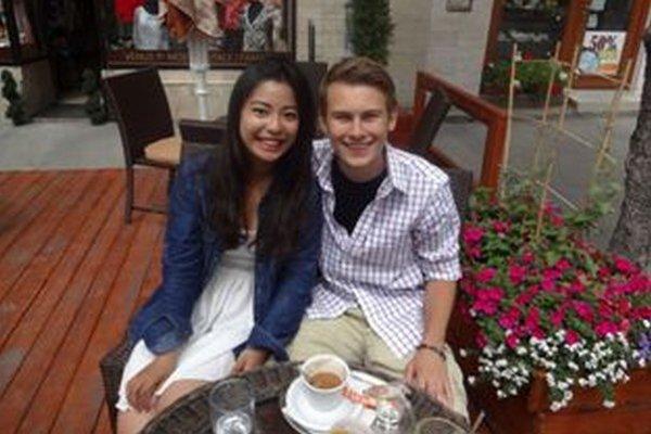 Študenti Joyce Chi z Taiwanu a HaydenMcFannz USA