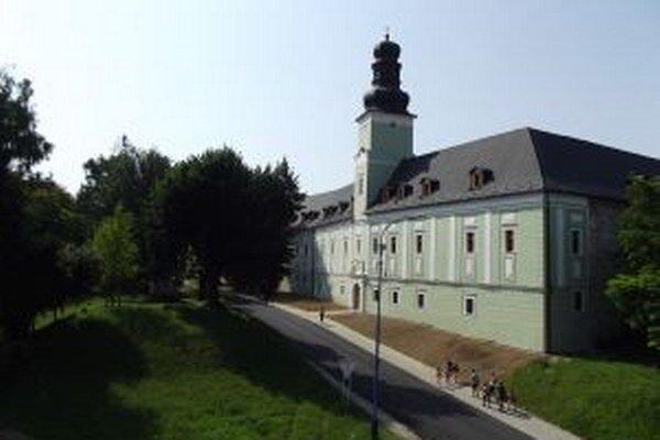 Dubnický kaštieľ obnovujú od roku 2010.