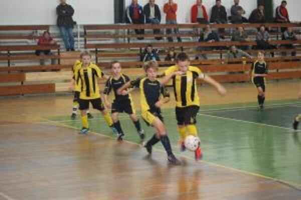 Víťazom turnaja v Novom Meste sa napokon stali mladíci z Novej Dubnice.