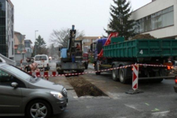 Oprava ulice začala 18. novembra.