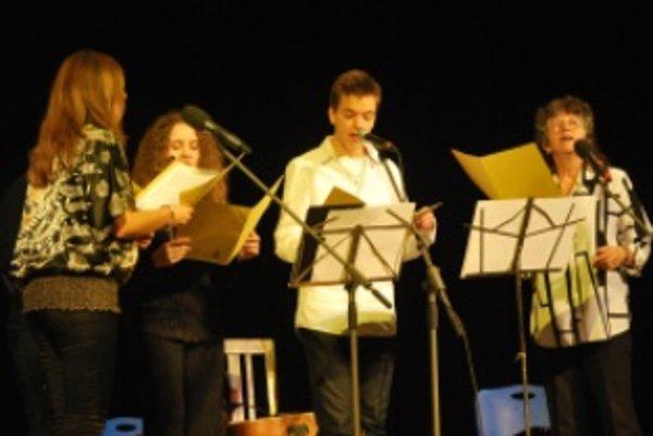 Na koncerte zažiarila nová vokálna skupina zložená z novomestských interpretov