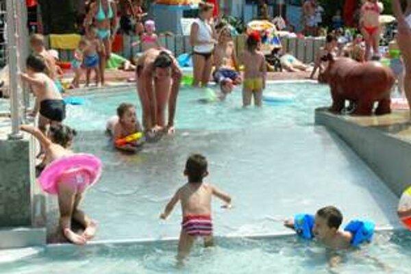 Kúpaliská v mestách sú počas slnečných dní plné