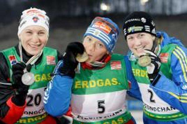 Medailistiky z 12,5 km – zľava: Anastasia Kuzminová (Slovensko), Oľga Zajcevová (Rusko), Helena Jonssonová (Švédsko)