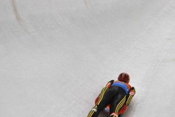 Dvojnásobný svetový šampión Felix Loch drží svetový rekord v dosiahnutej rýchlosti v tobogane.