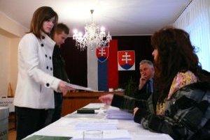 Brunovčania vyberajú spomedzi šiestich kandidátov nového starostu.