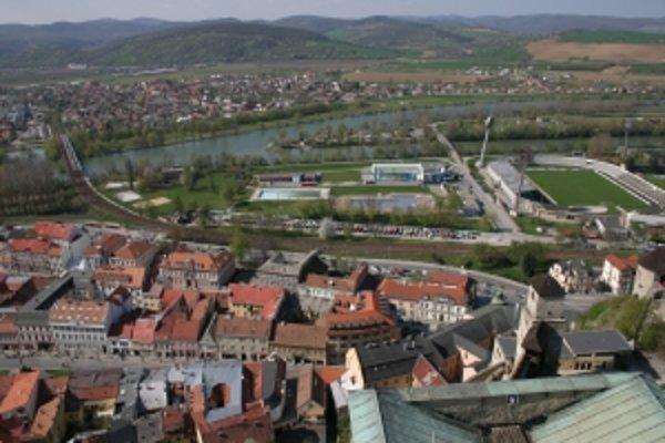 Nový železničný most cez Váh v Trenčíne by mali stavať dva roky