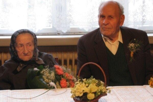 Ondrej a Eva Pavlíkovci sú manželia už 65 rokov