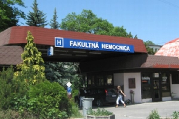 Trenčianska nemocnica chce vyrovnať podstatnú časť dlhov voči veriteľom.