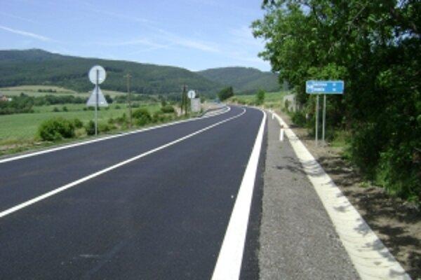 Trenčiansky samosprávny kraj vyhlásil užšiu súťaž na rekonštrukciu a modernizáciu štyroch úsekov ciest druhej a tretej triedy.