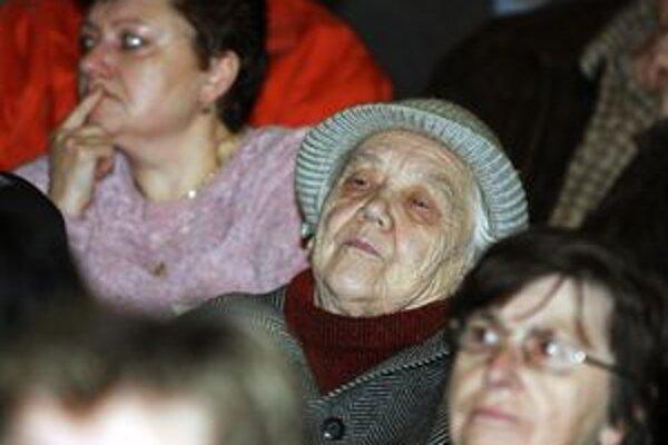 Nespokojní obyvatelia tatrováckych bytov musia ešte čalať.