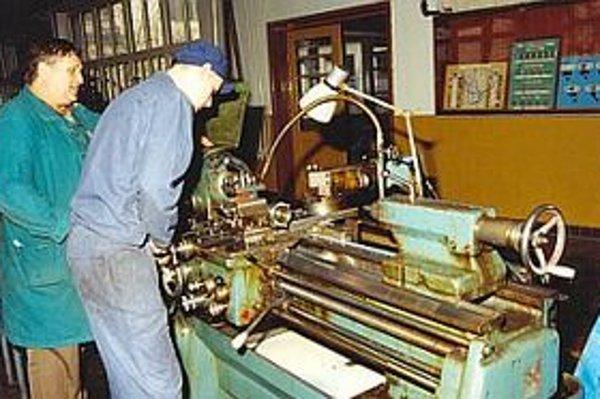 Po oživení strojárskej výroby je odborníkov málo