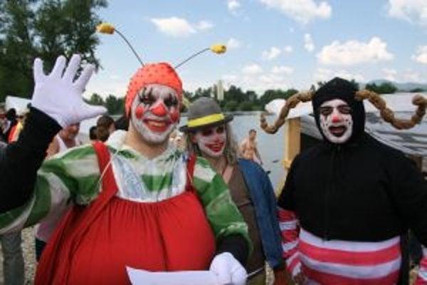 Nováčikmi na Splanekore boli Traja chrobáci zo Žiliny. Aj keď sa neumiestnili na stupienkoch víťazov mnohých návštevníkov zaujali ich takmer dokonalé kostýmy.
