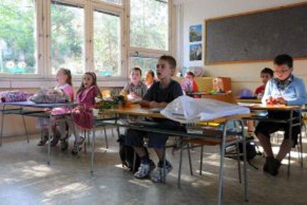 Školáci si na nový systém ešte len zvykajú