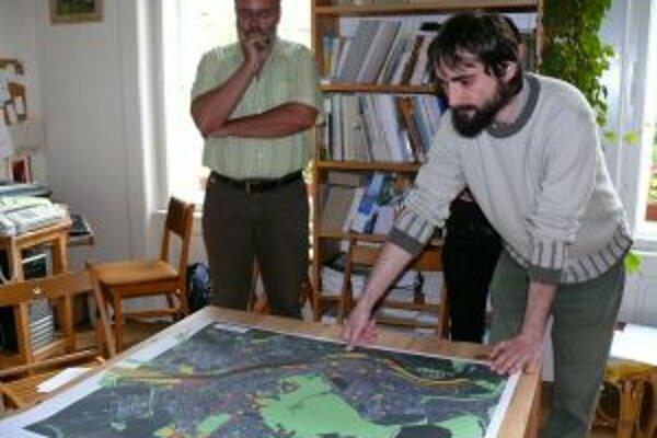 Aktivisti upozorňujú ľudí, aby sa zaujímali, čo mesto plánuje budovať v ich okolí a pripomienkovali koncept nového územného plánu.