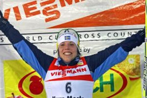 Nové Město na Moravě dnes videlo v pretekoch na 10 km víťazstvo Charlotte Kallaovej.