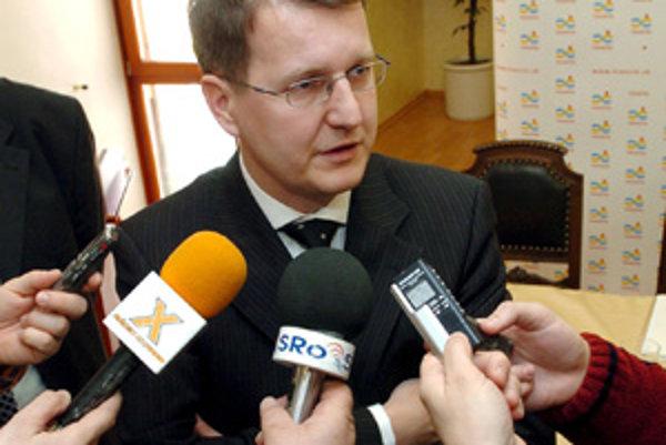 Trenčiansky primátor Branislav Celler dal svoje majetkové priznanie k dispozícii verejnosti koncom marca.