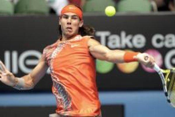 Rafael Nadal počas zápasu s Gillesom Simonom
