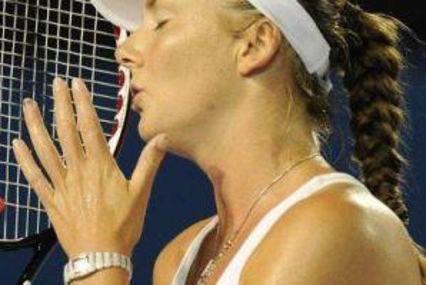 Daniela Hantuchová začala semifinálový duel proti Srbke Ivanovičovej výborne, na konci sa však z postupu tešila jej súperka.