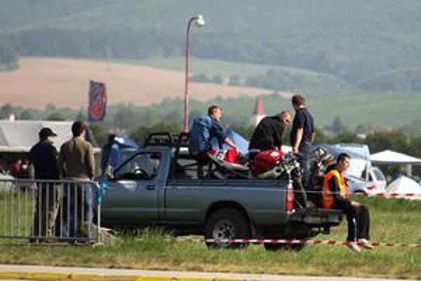 Preteky po tragickej nehode ukončili.