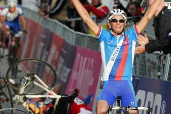 Peter Velits senzačne získal titul majstra sveta vo vekovej kategórii do 23 rokov