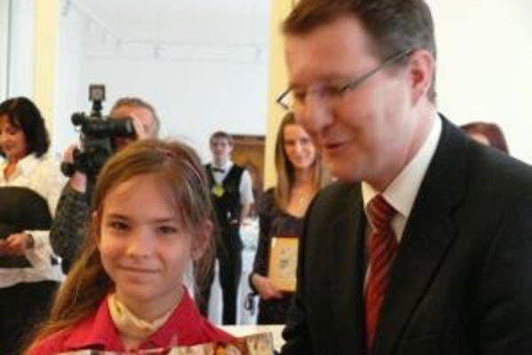 V kategorií próza 1, získala cenu primátora Trenčína Timea Kuzmová zo základnej školy na Novomeského ulici.