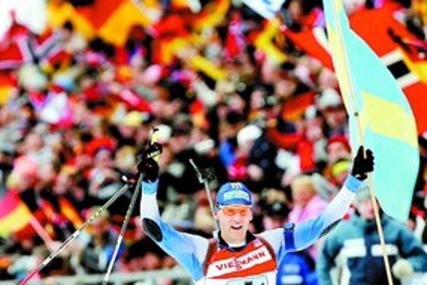 Švéd Carl Johan Bergman si záver štafety vychutnal.