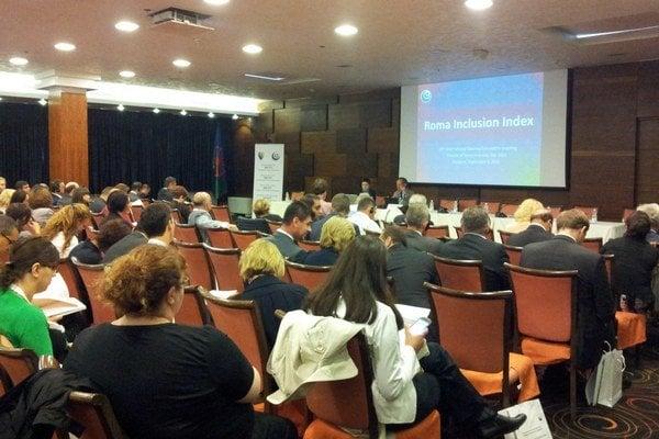 Medzinárodne stretnutie riadiaceho výboru dekády začleňovania v Sarajeve, Hotel Bristol, 10.-12. septembra.