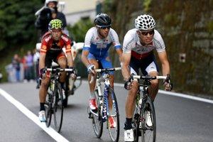 Rui Costa, Vincenzo Nibali a Alejandro Valverde stíhajú Rodrígueza.