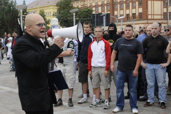 Radovan Novotný (na snímke vľavo)sa v minulosti angažoval v Slovenskej pospolitosti.