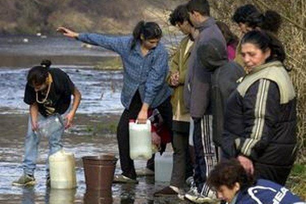 Aj voda z potoka môže viesť k ochoreniu.
