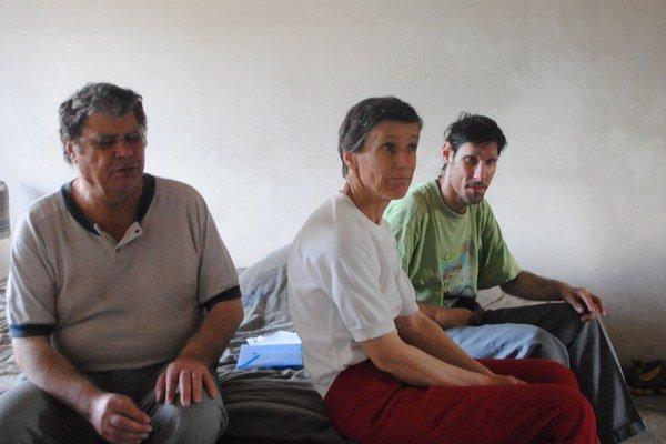 Rodina Leščákovcov považuje život v Levočských Lúkach za utrpenie.
