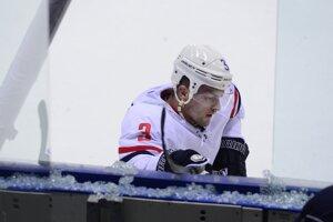 Martin Štajnoch pri náraze na mantinel rozbil ochranné sklo.