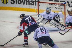 Hokejisti Slovana vyhrali prvý zápas novej sezóny KHL. Druhý gól Nagya.