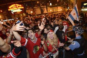 Nielen hráči, ale aj obyvatelia Chicaga si víťazstvo užívali.