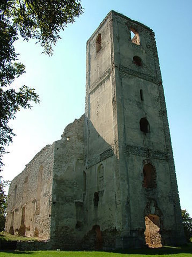 Veža kostola v roku 2007.