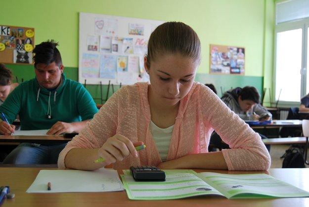 Deviataci absolvovali najdôležitejšiu vedomostnú skúšku.
