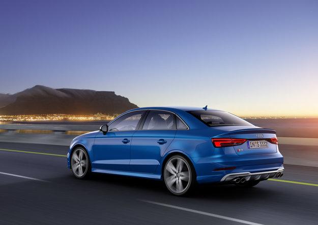 Športový variant  Audi S3 s motorom 2.0 TFSI má výkon 228 kW