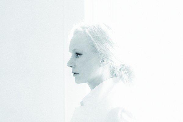 Nórska Susanna prerába známe hity hypnotickým hlasom.