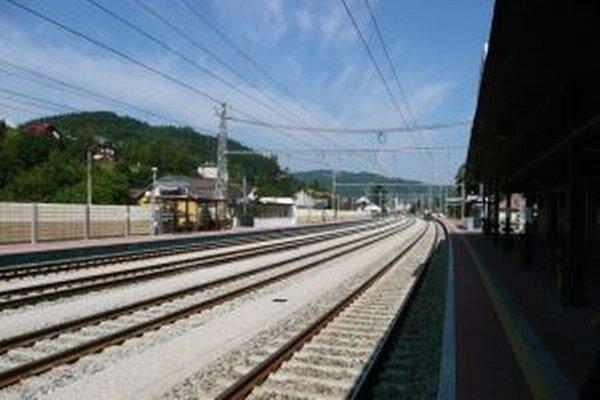 Železnice robia dnes a zajtra od 8. h. do 13. hodiny údržbu trate medzi stanicami Krásno nad Kysucou a Čadca.