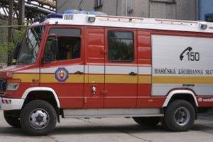 Pri nehode zasahovali hasiči z Čadce.