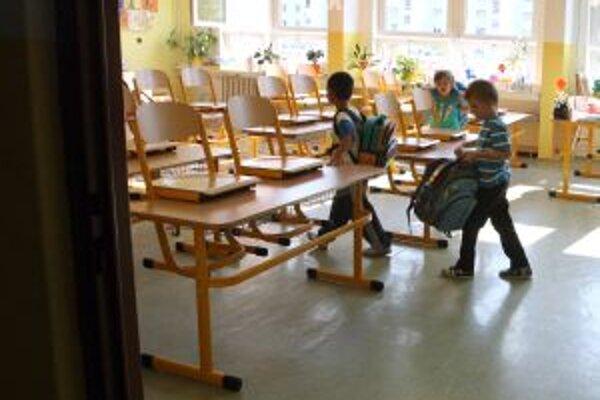 Školy v kysuckých mestách ostanú od pondelka zatvorené.