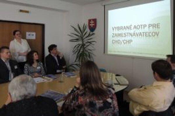 Raňajky so zamestnávateľmi – pod týmto názvom sa uskutočnilo v Čadci pracovné stretnutie, ktoré zorganizoval odbor služieb zamestnanosti ÚPSVaR so sieťou EURES.