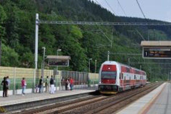 Modernizácia trate priniesla zvýšenie rýchlosti na 140 kilometrov za hodinu.