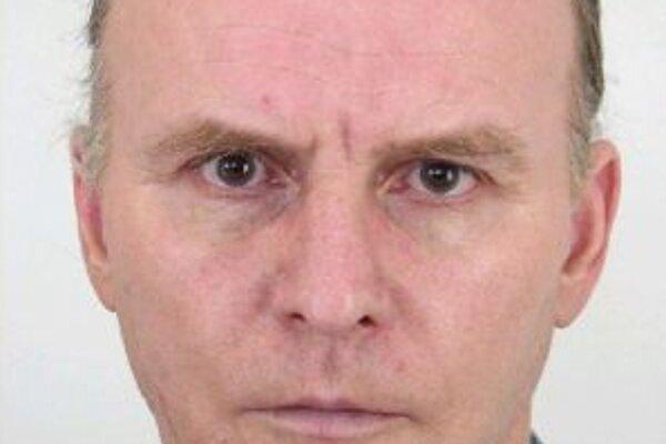 Päťdesiatpäťročného Ludvika Šurhaňáka zo Zákopčia hľadá polícia.