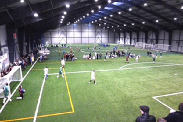 Futbalová Aréna v Korni je pravidelným dejiskom mládežníckych turnajov vo futbale.